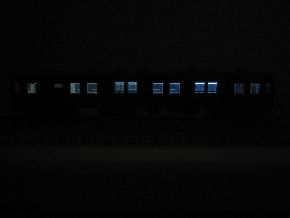 KATO 急行「ニセコ・宗谷」マニ50&スユ15をイジろう その1_e0120143_22543022.jpg