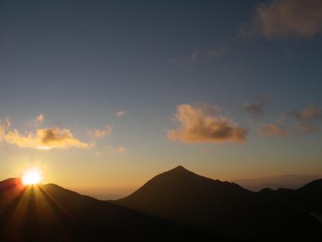 台風19号の接近に伴い西岳下山  本年度営業は終わりました_f0219043_06043572.jpg