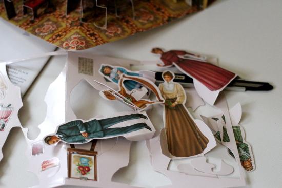紙でできたドールハウスfromメトロポリタン美術館_d0129786_14584679.jpg