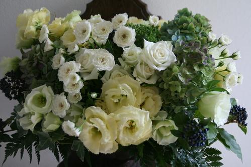 白いお祝いの花_a0257432_9225322.jpg
