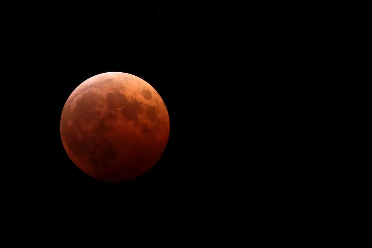 赤い月と天王星_a0087133_23164133.jpg