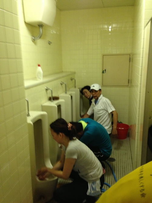 第195回 熊取町立熊取中学校トイレ掃除のお知らせ_e0180838_16592723.jpg
