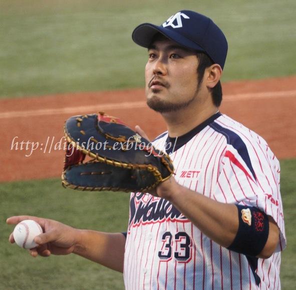 今季は勝負強さが光った畠山和洋選手_e0222575_11315550.jpg