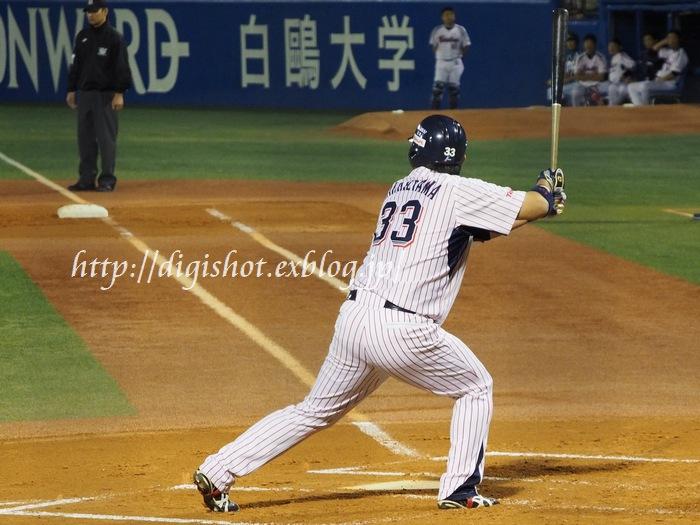 今季は勝負強さが光った畠山和洋選手_e0222575_1203373.jpg