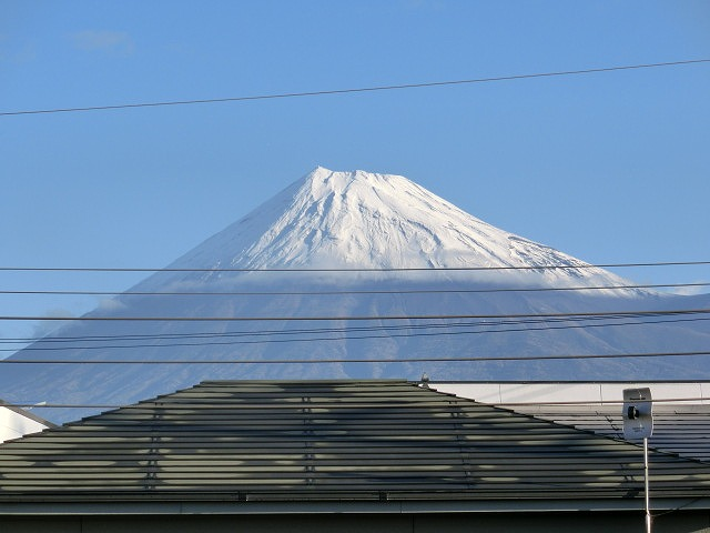 今朝はっきり確認 私にとって今年の富士山の初雪_f0141310_7255569.jpg