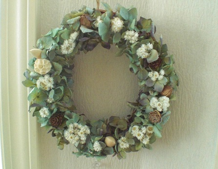 フレッシュなブルーグリーン紫陽花を使って_c0207719_1265534.jpg