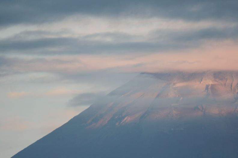 富士山の初冠雪_d0133581_21571593.jpg