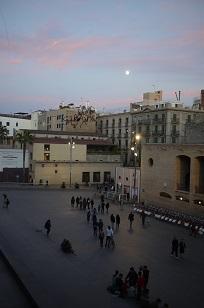 ④「MUSEU D´ART CONTEM PORANI」とスケボー少年たち=スペイン・バルセロナ編=_f0226293_1295825.jpg