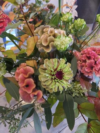 オークリーフ花の教室(赤地さんと宮原さんの作品)_f0049672_18421215.jpg