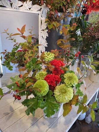 オークリーフ花の教室(赤地さんと宮原さんの作品)_f0049672_18421864.jpg