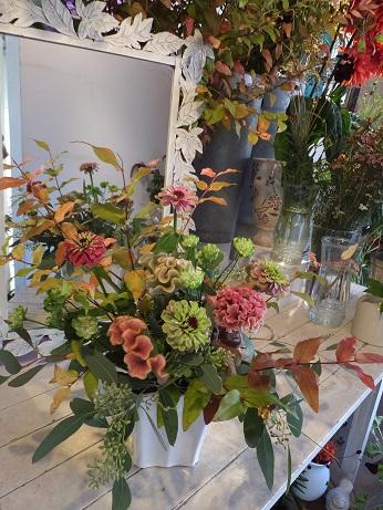 オークリーフ花の教室(赤地さんと宮原さんの作品)_f0049672_1842682.jpg