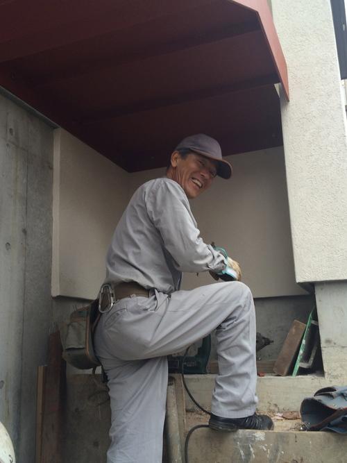 鉄骨階段が取り付けられました!_a0148909_202159100.jpg