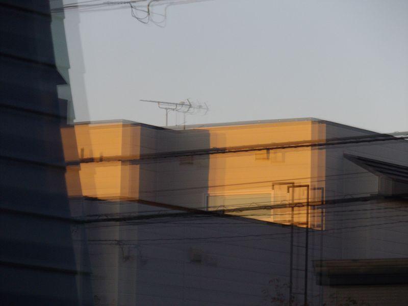 窓に映る夕景_c0025115_22500092.jpg