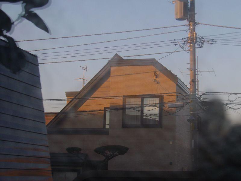 窓に映る夕景_c0025115_22500991.jpg