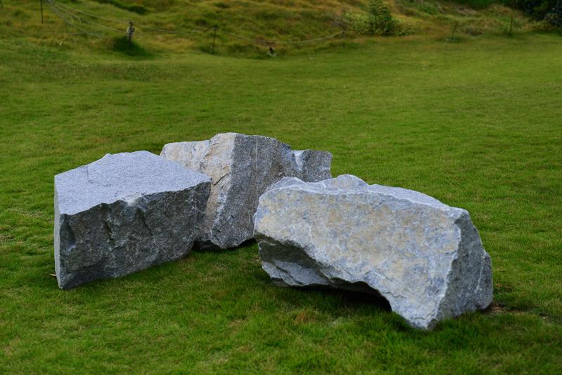 石の芸術に挑む 作家の作品展_d0246136_1633483.jpg