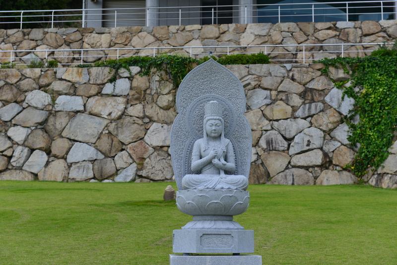 石の芸術に挑む 作家の作品展_d0246136_1640958.jpg
