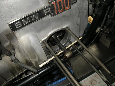 BMW Rタイプ 腰上の分解_e0218639_111911100.jpg