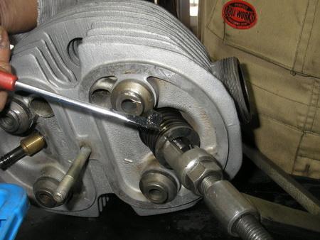 BMW Rタイプ 腰上の分解_e0218639_11214554.jpg