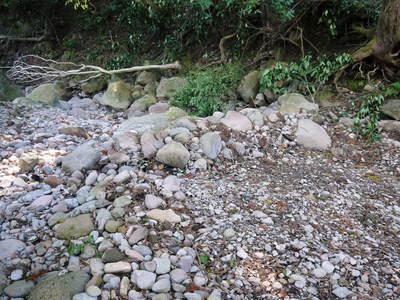 リューバ―ダムが・・・。山奥の川はこの時期干上がっています!_a0254656_18332547.jpg