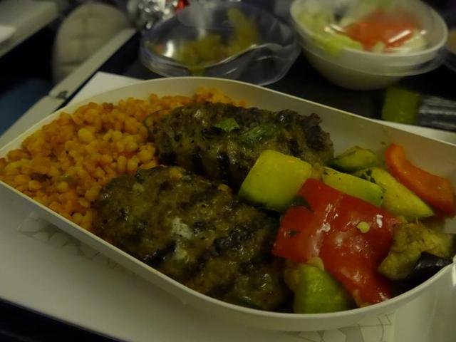 イスタンブールへ行く。⑪ ~機内食がイケてた話~_f0232060_22433132.jpg