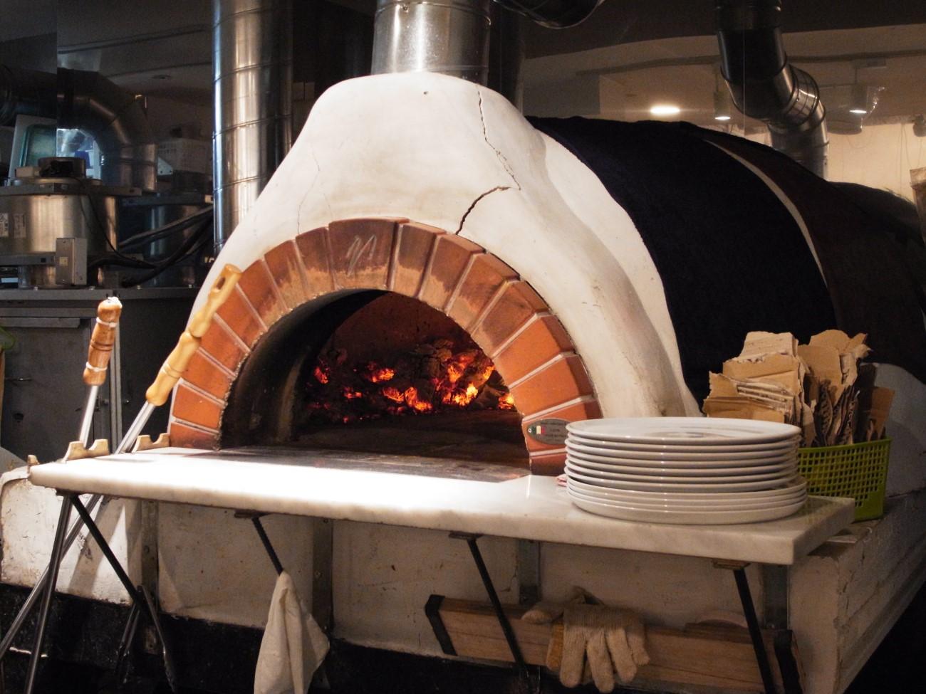 キツネ色のコルニチョーネ〔pizzeria VIVO/ピッツァ・イタリア料理/JR高槻〕_f0195971_11380470.jpg