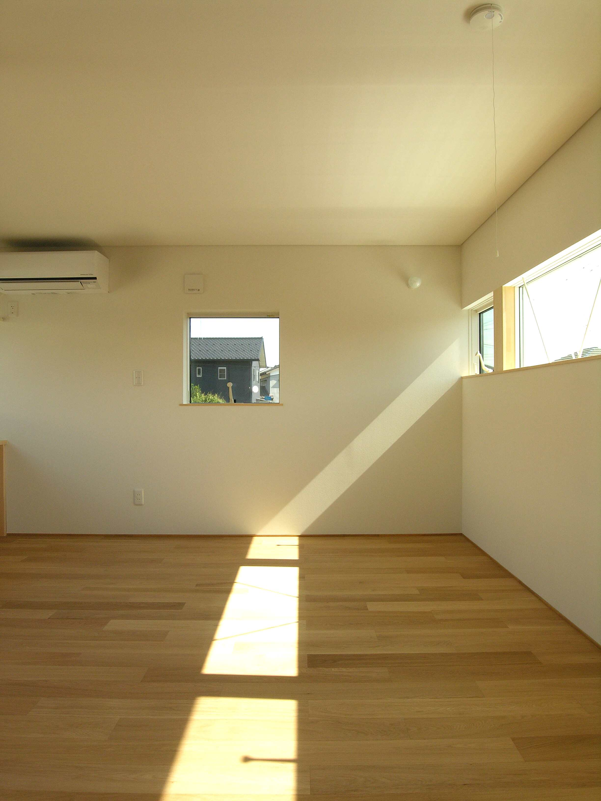 外構工事 傾斜地に建つコートハウス_b0349892_17521598.jpg