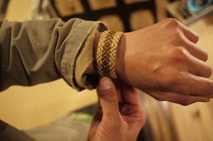 「南米・コロンビア製の編みバングル」を買いつけていました~_f0226293_8581796.jpg