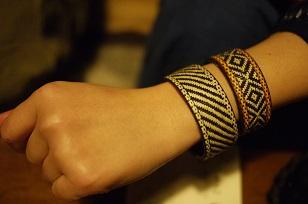 「南米・コロンビア製の編みバングル」を買いつけていました~_f0226293_8585981.jpg