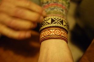 「南米・コロンビア製の編みバングル」を買いつけていました~_f0226293_8591766.jpg