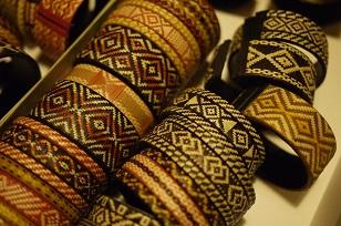 「南米・コロンビア製の編みバングル」を買いつけていました~_f0226293_8593744.jpg