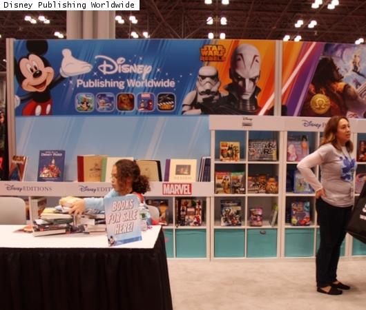 NYコミコン、出版社や大手書店のエリアにも日本の影響_b0007805_2304983.jpg