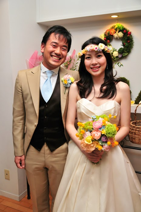 お花直し  日比谷パレス様へ  一年後に、お嬢様への花冠に_a0042928_21265038.jpg