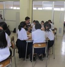 新潟中央高等学校においてワークショップ「Passing through a tunnel ~」を行いました。_c0167632_17343846.jpg