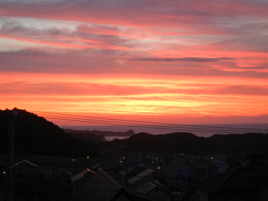 '14,10,20(月)真っ赤な日の出と朝ごはん!_f0060461_10453378.jpg