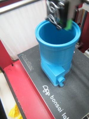 サイクロンタイプの集塵機試作_a0027275_2221836.jpg