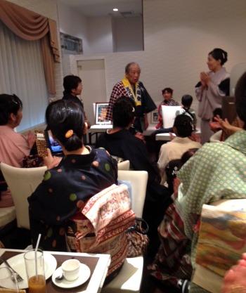 お食事会 にて ..._e0298782_20554310.jpg