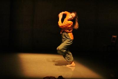 「ダンスブリッジ・インターナショナル」始まる_d0178431_09404520.jpg