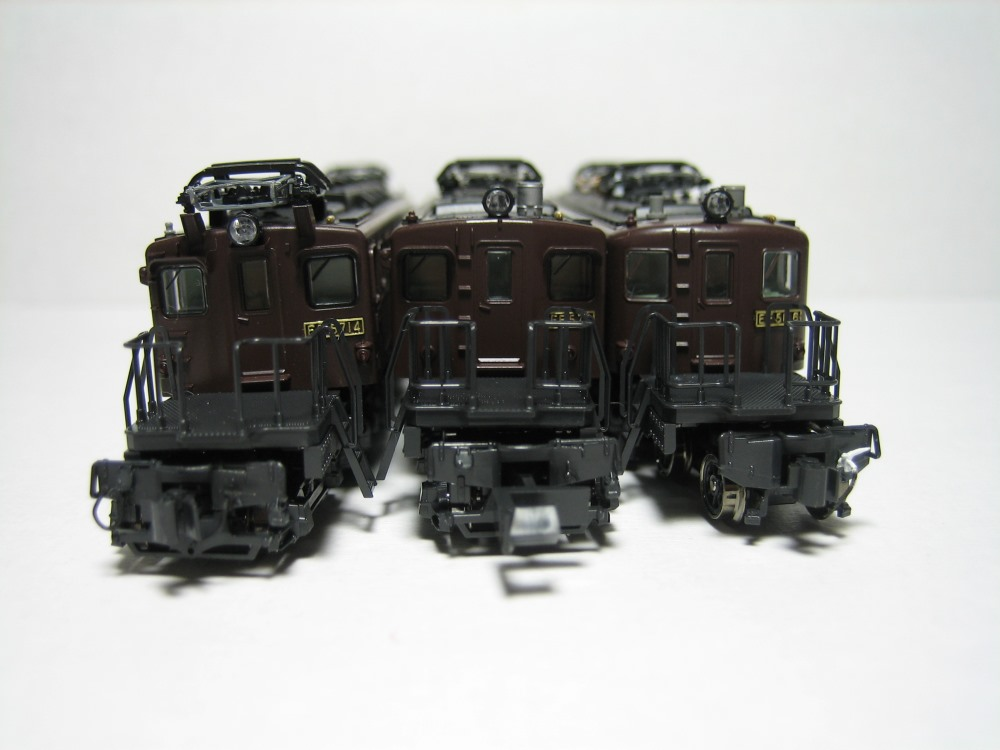 KATO 八甲田、ED75-1000、EF57-1入線_e0120143_2304866.jpg