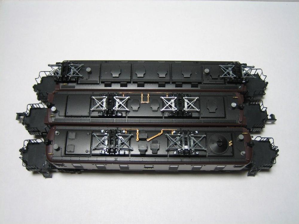 KATO 八甲田、ED75-1000、EF57-1入線_e0120143_2305556.jpg