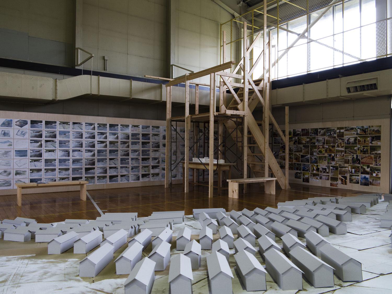 石蔵写真展/レオ・ファンダークレイ(オランダ)_c0189970_18464492.jpg