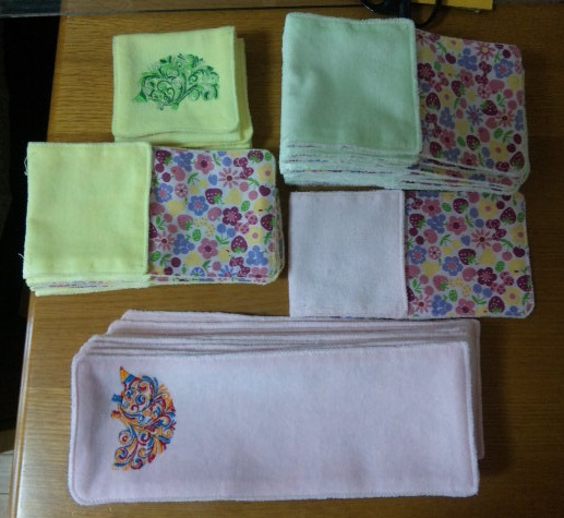 ハリネズミ刺繍のポケット付ハンカチ作りました♪_c0316026_17502541.jpg