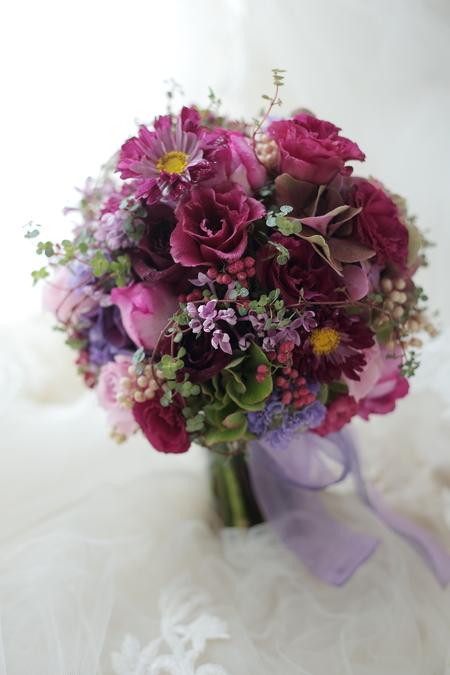 お色直しのブーケ 八芳園さまへ 1+1様のドレスにあわせて_a0042928_0191541.jpg