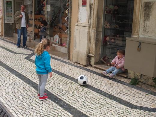 """南ポルトガルの漁師町で \""""仲良し\"""" を見つける_f0152733_22571641.jpg"""