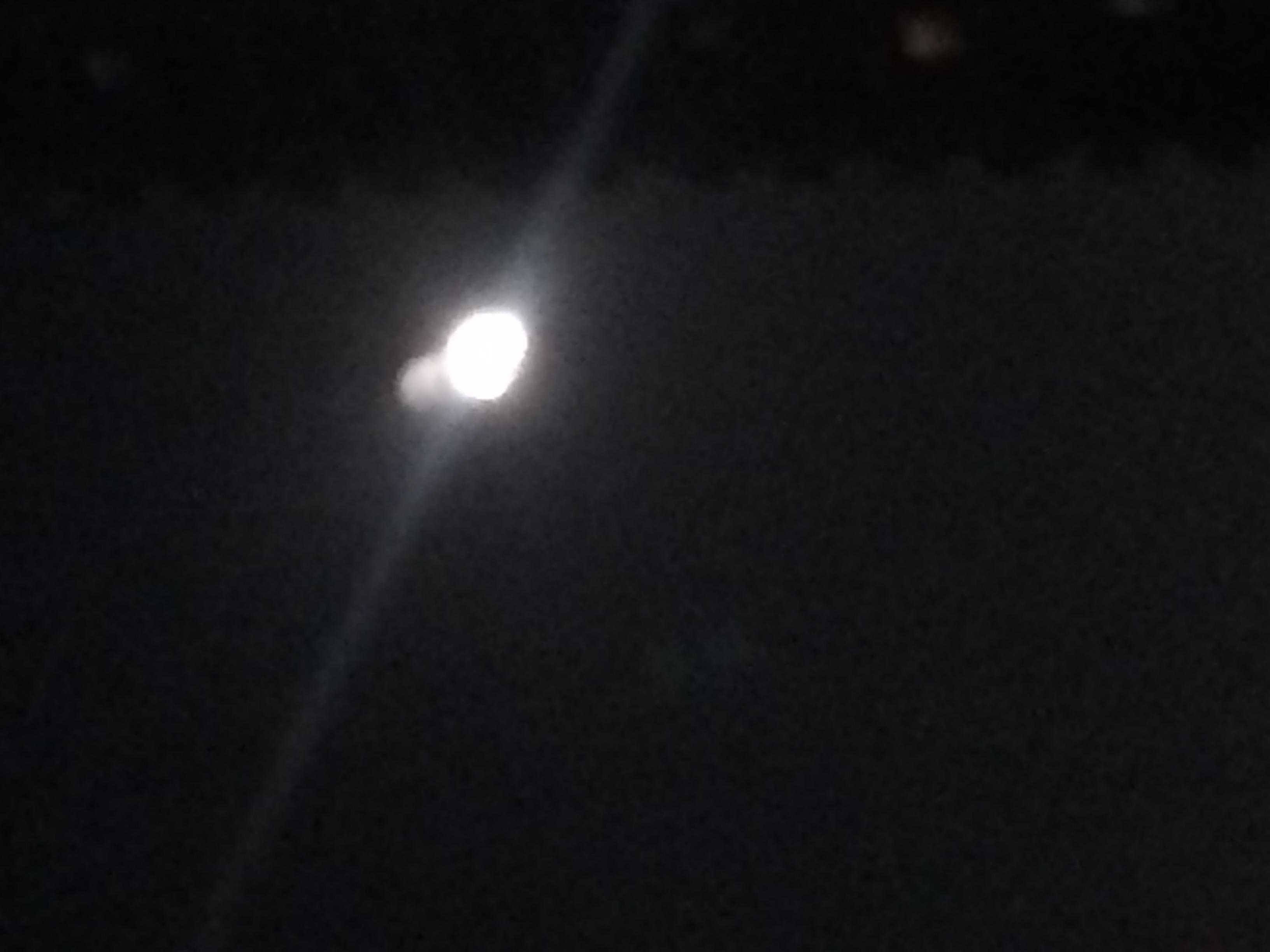 そうそう!月蝕でしたねー_e0114246_1715824.jpg