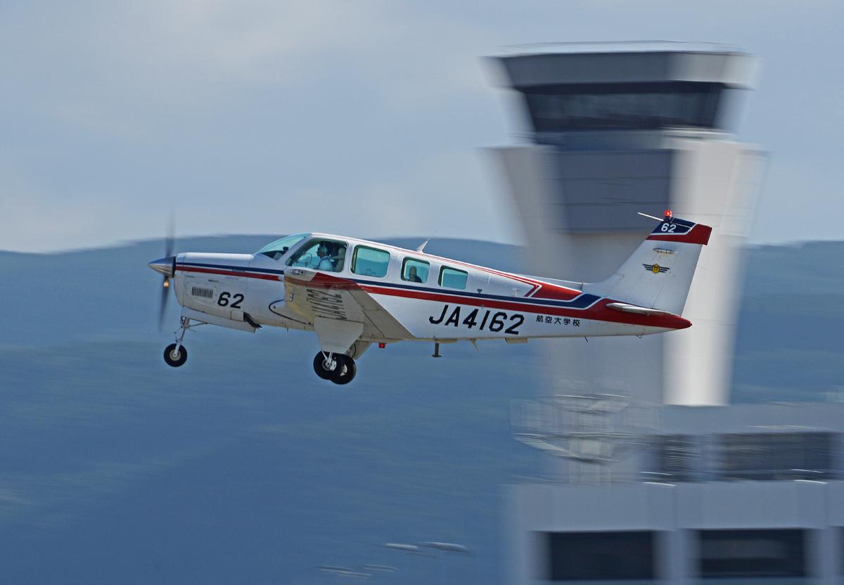 航空大学。_b0044115_840598.jpg