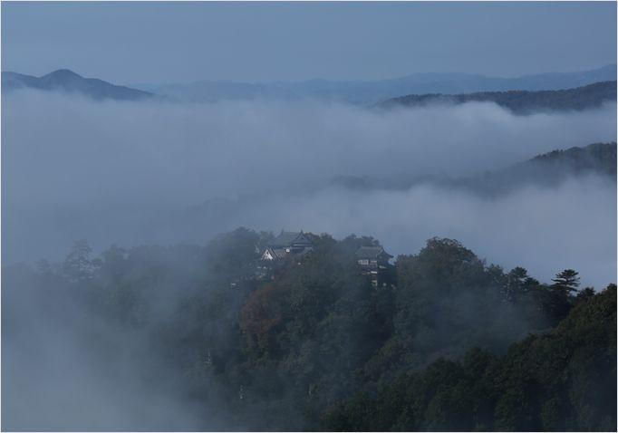 雲海に包まれた備中松山城_a0256349_1557334.jpg