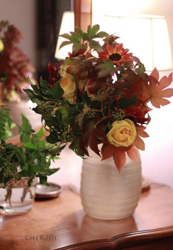 金色に輝く秋の花たち_b0208604_12580805.jpg