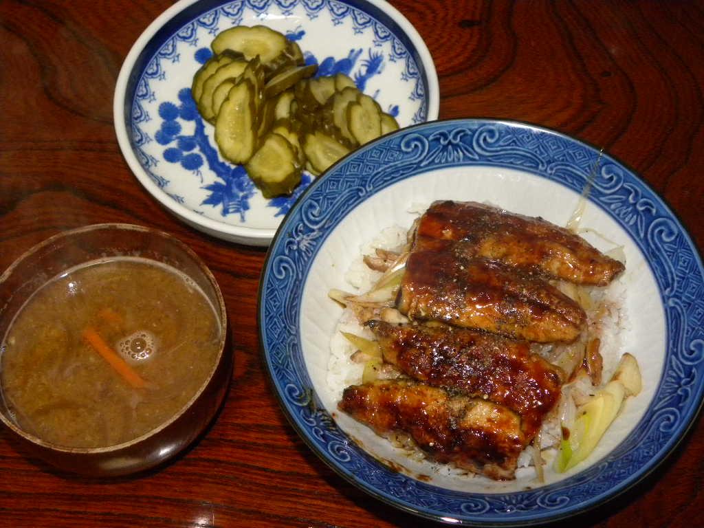 秋刀魚定食~秋刀魚丼_c0162773_12101860.jpg