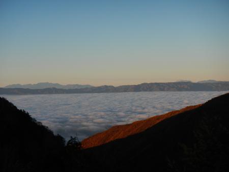 雲海の朝_e0120896_7315560.jpg