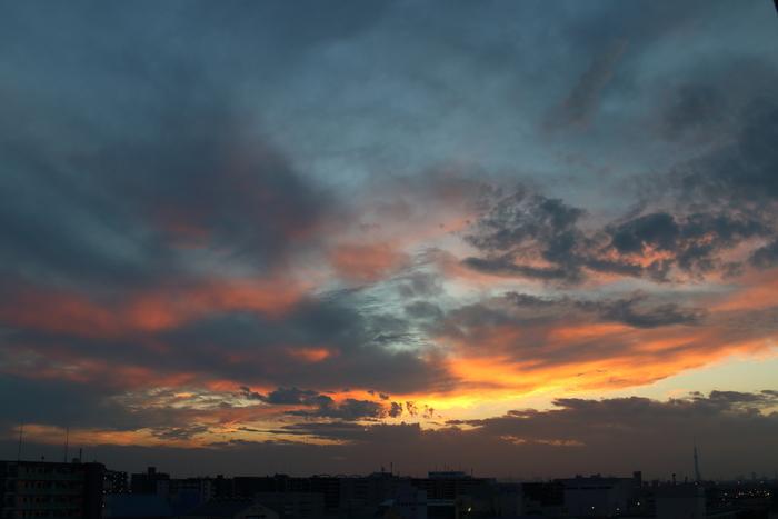 本日の夕焼け、ほんのり焼けました~♪_d0152261_2134597.jpg